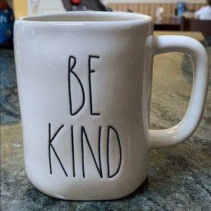 NWOT Rae Dunn Be Kind Mug